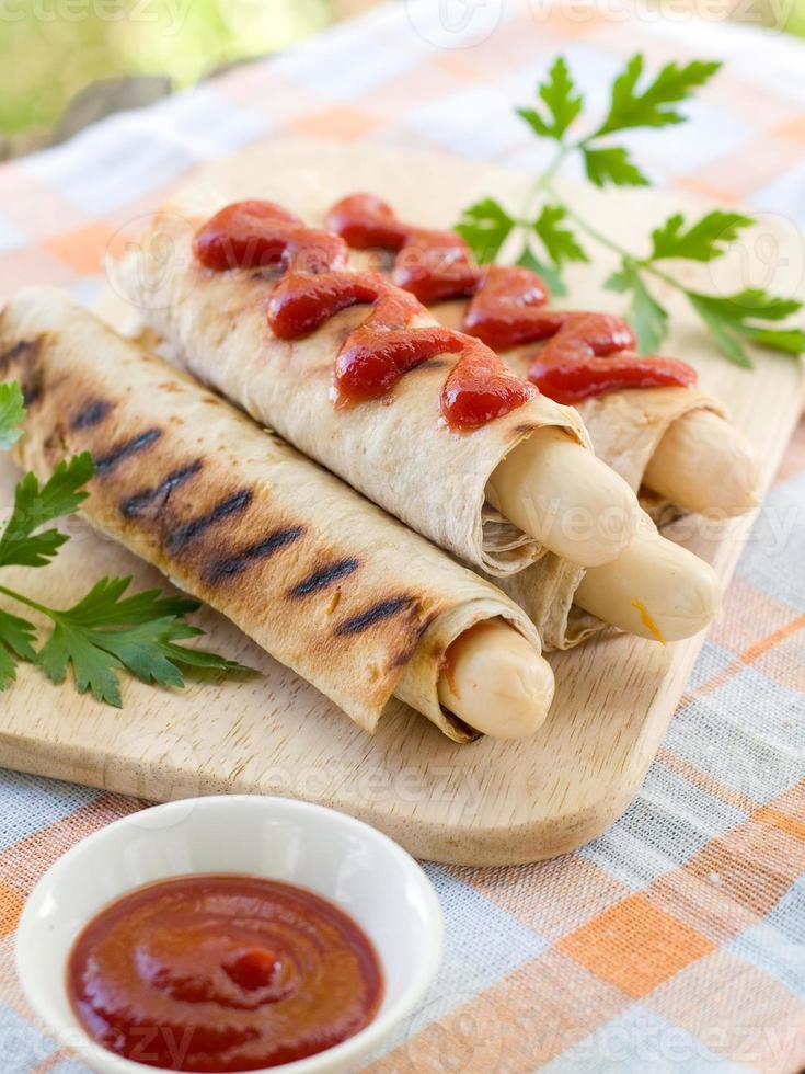 gegrilde hotdog foto