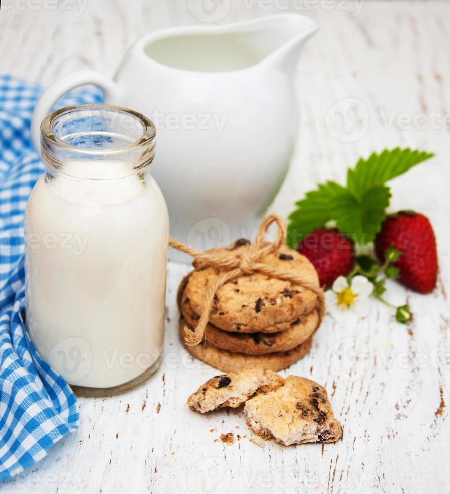 melk en koekjes foto