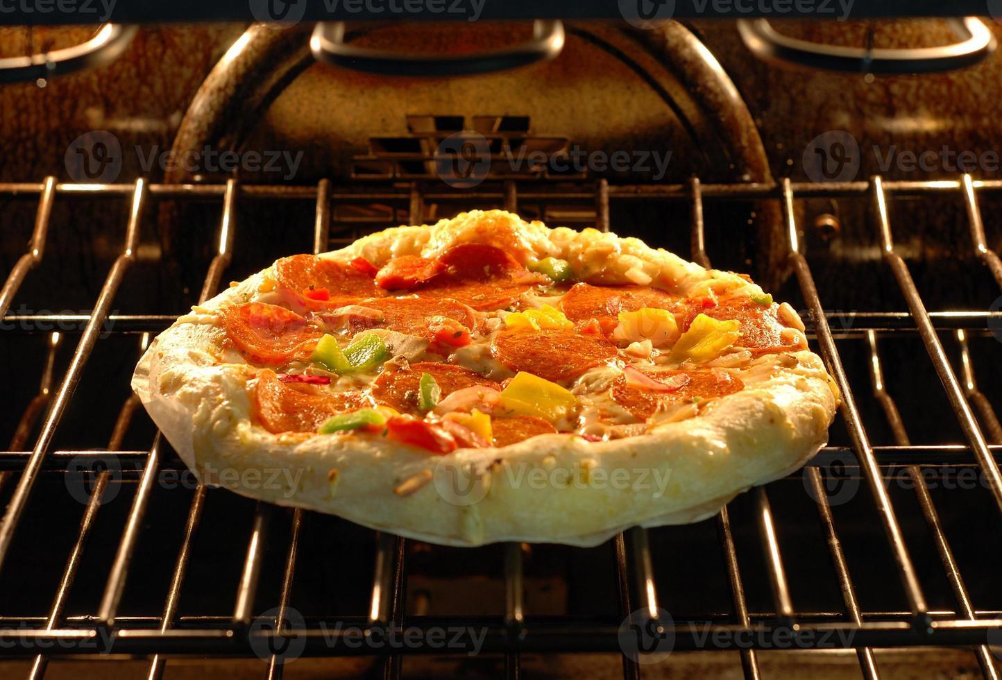 pizza bakken foto