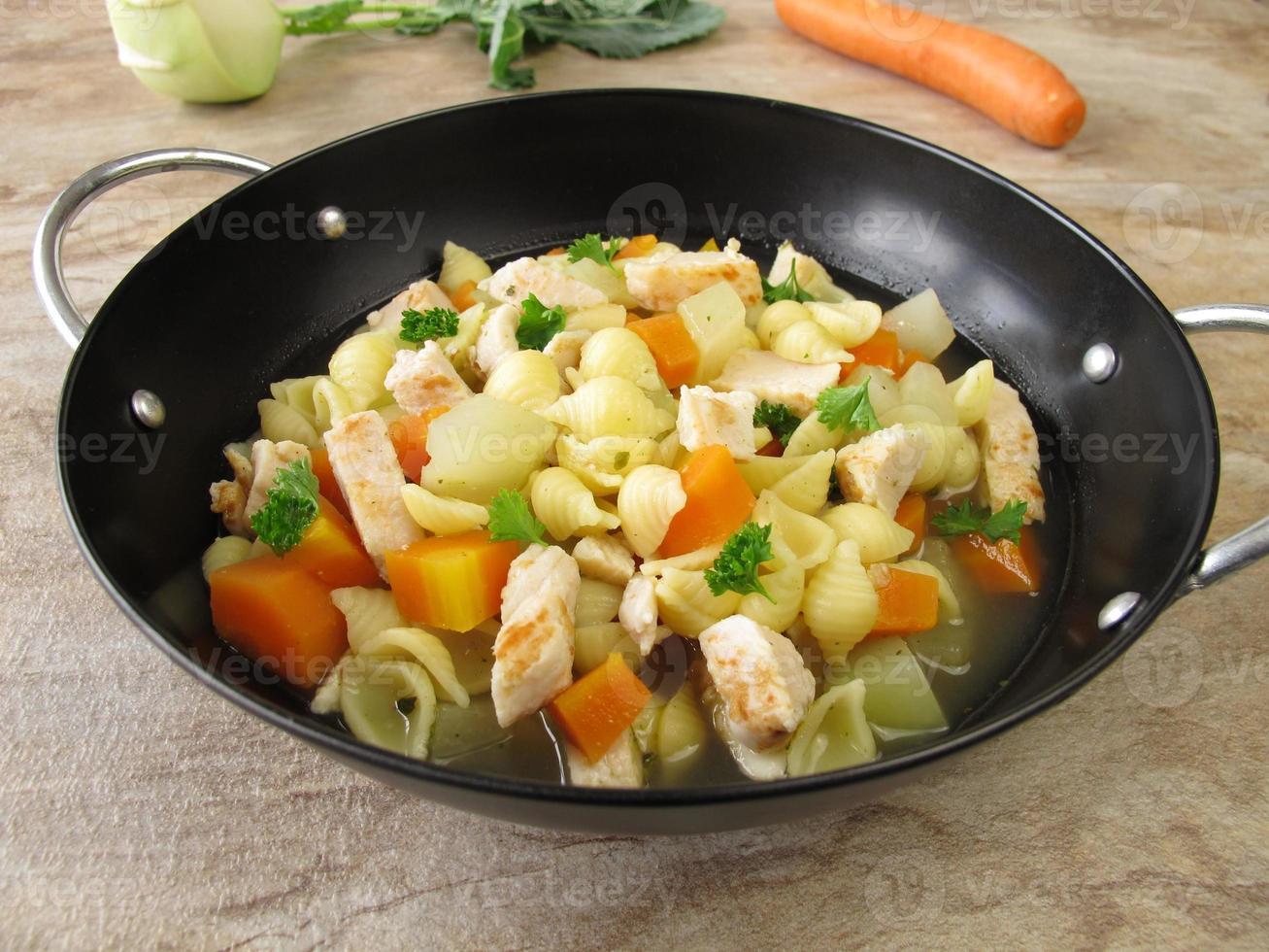pastapot met groenten foto