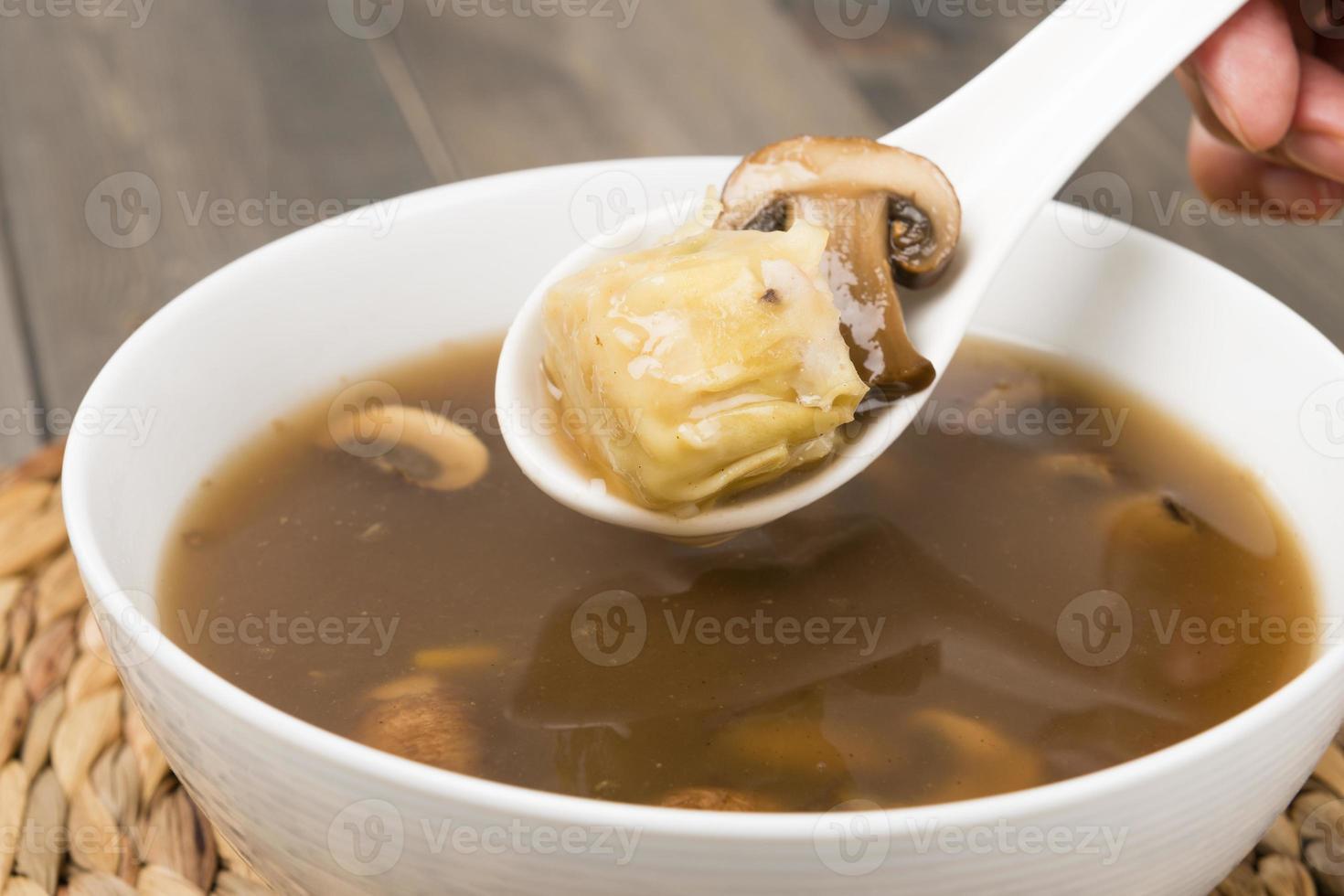 hete en zure soep (酸辣 湯) foto