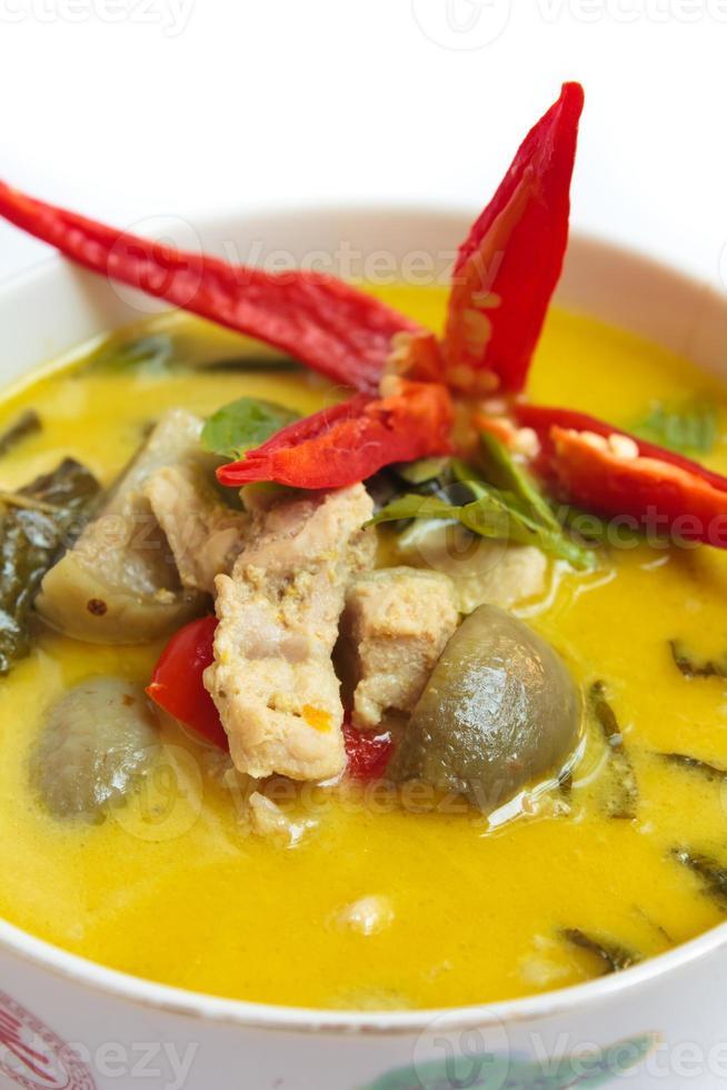 groene curry met varkensvlees, Thais eten. foto