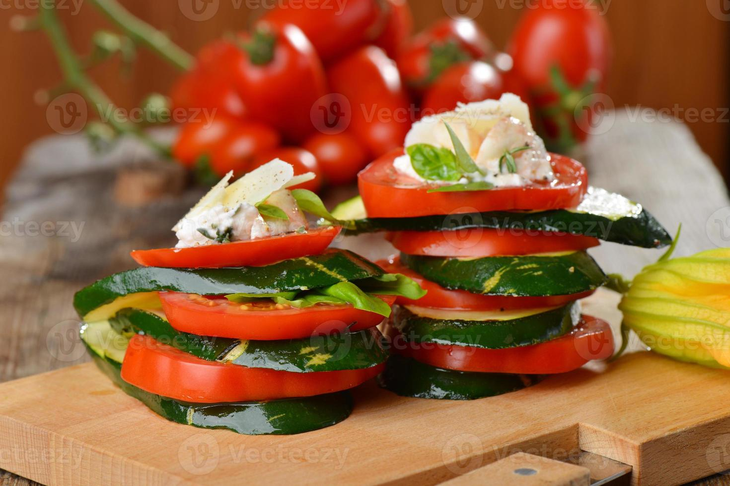 insalata caprese - Italiaanse salade foto