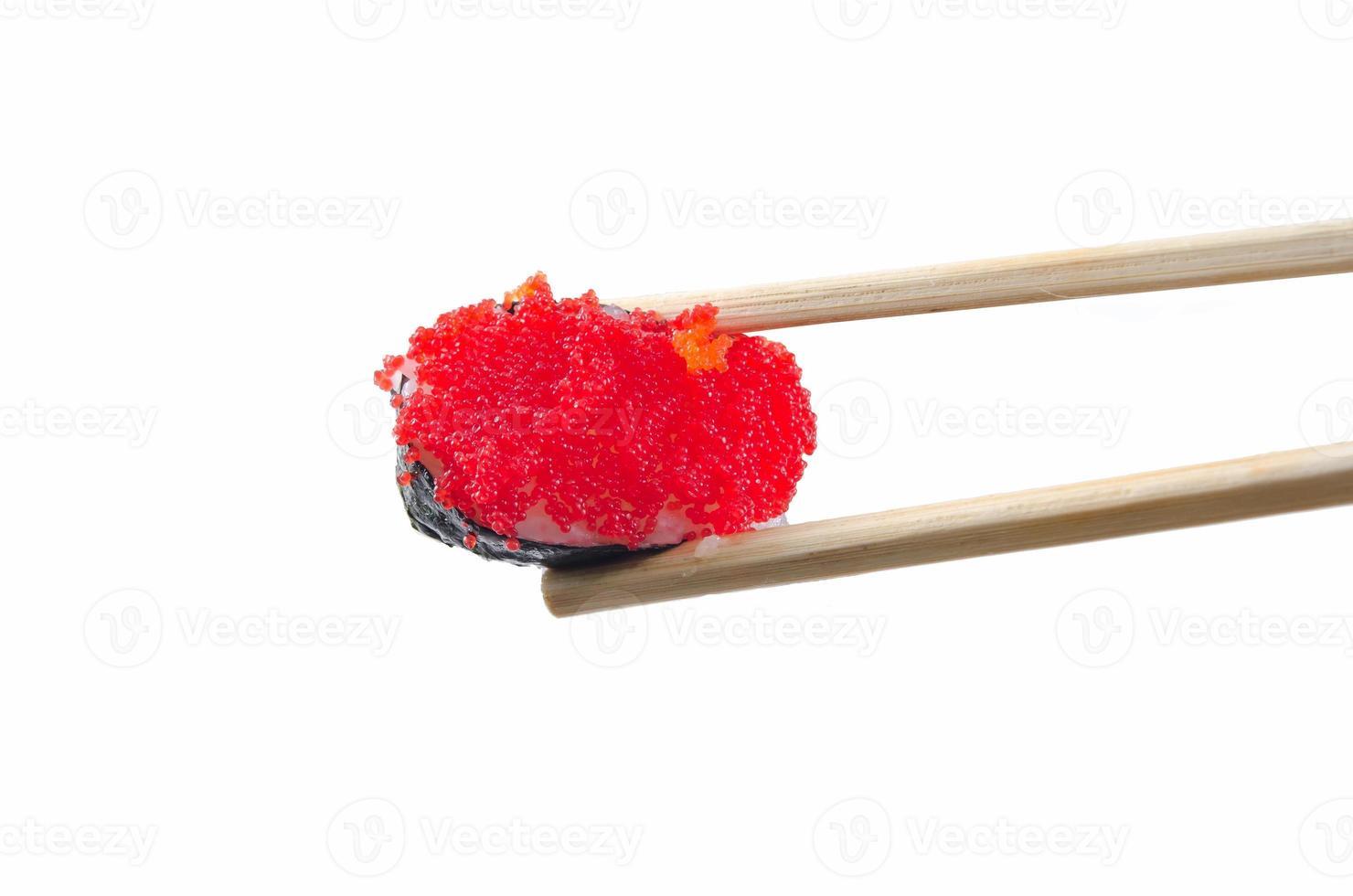 de sushi op houten voedsel Japan isoleerden witte achtergrond foto