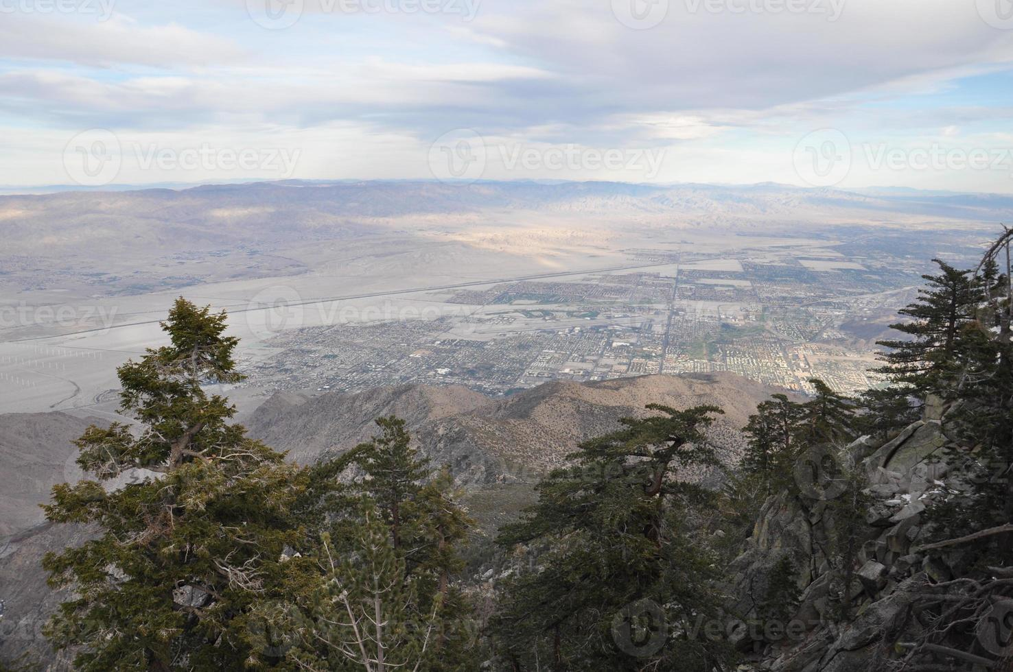 uitzicht vanaf Palm Springs kabelbaan in Californië foto