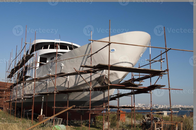 schip in de scheepswerf foto