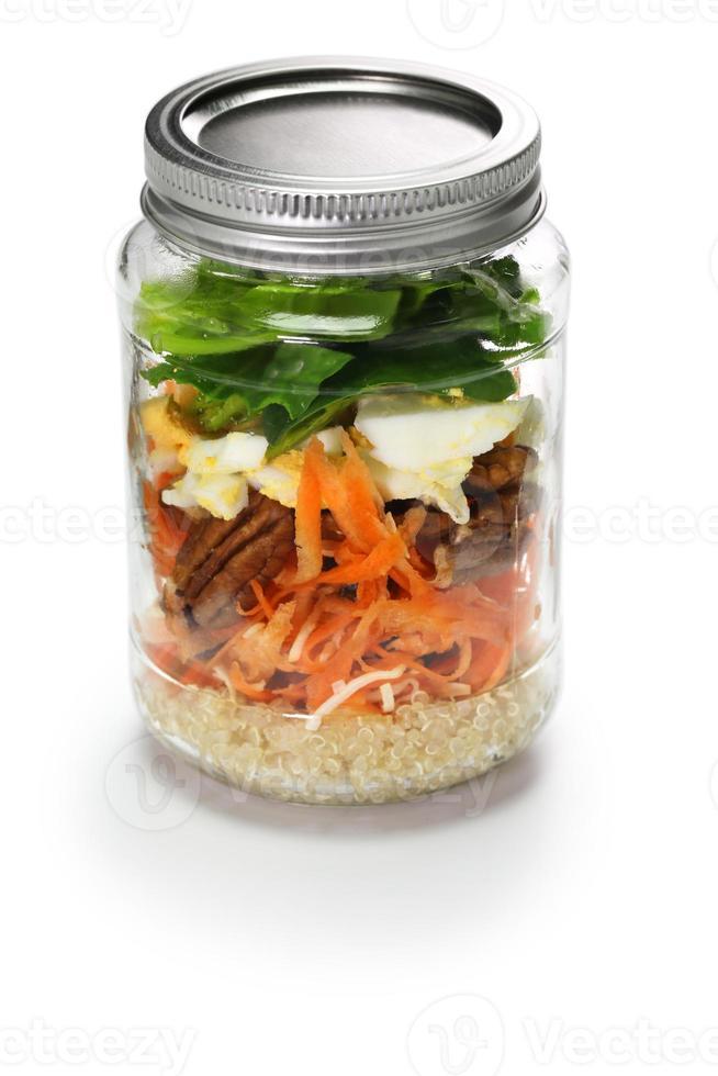 groentesalade in glazen pot foto
