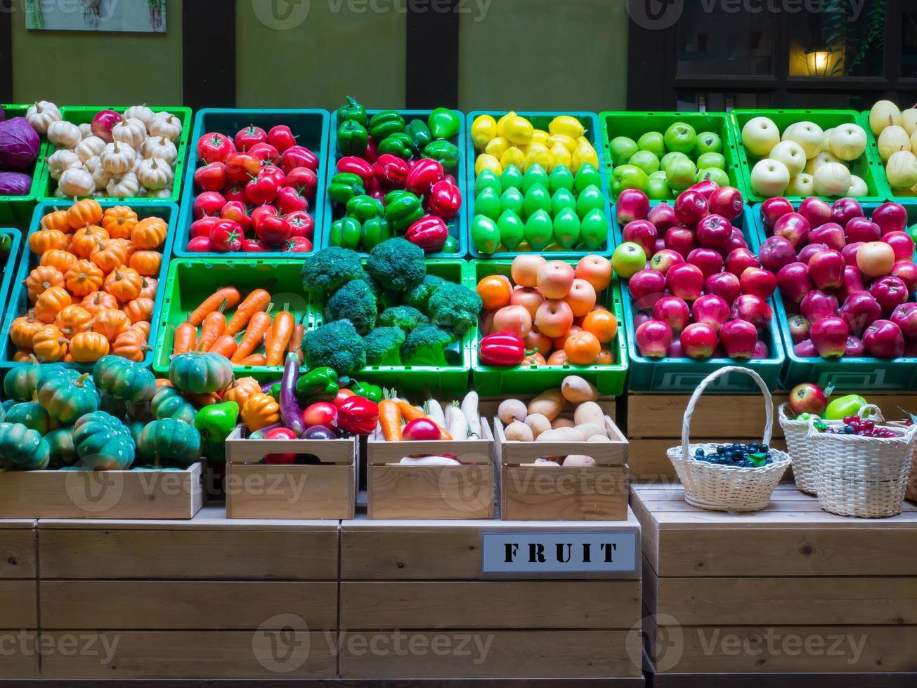plastic groenten en fruit hebben kleurrijk foto