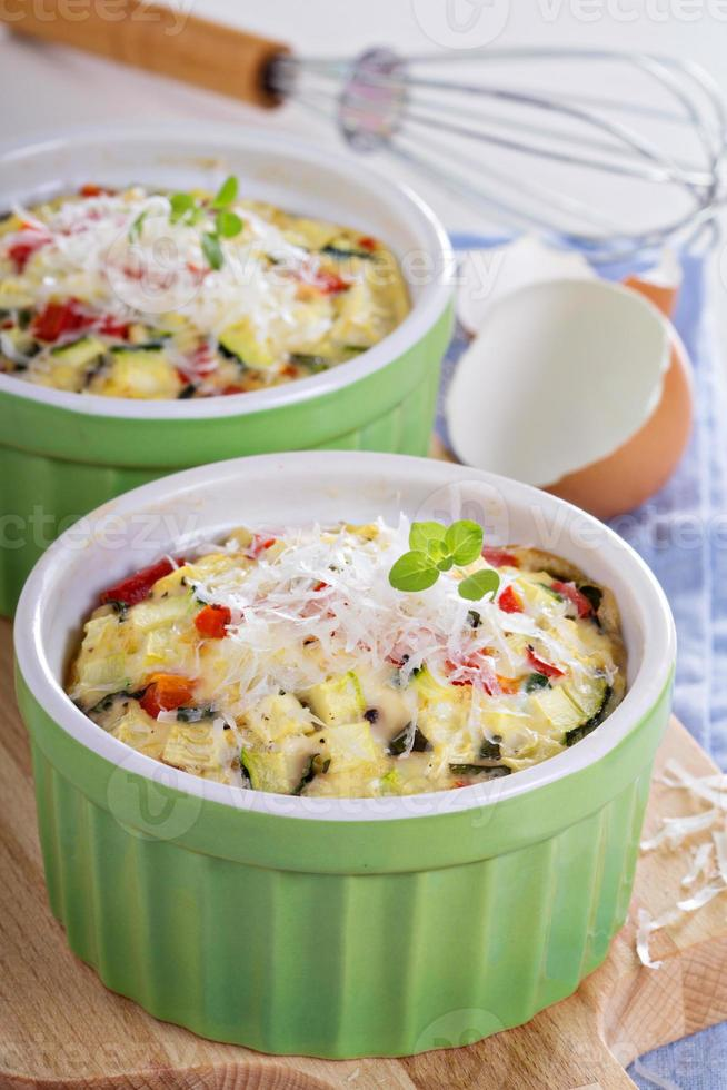 gebakken omelet met groenten foto