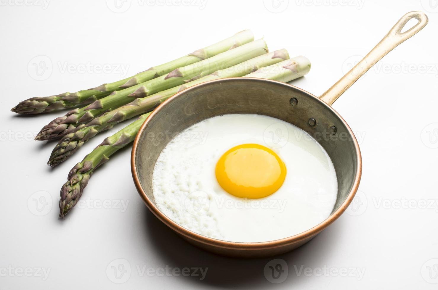 eieren met asperges foto
