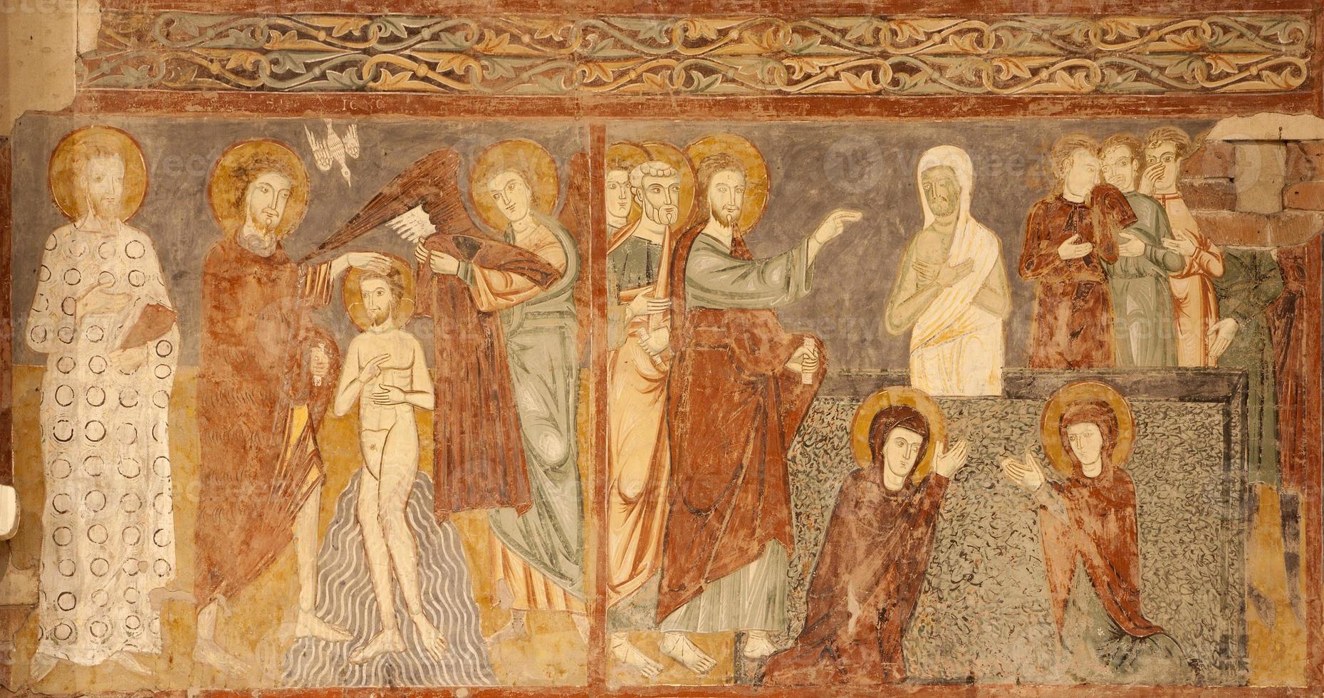 verona - opstanding van het fresco van lazarus foto