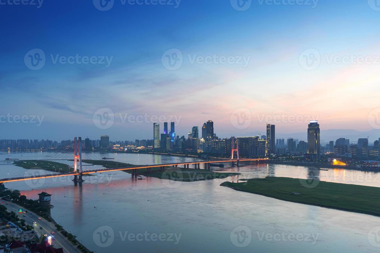 nanchang, jiangxi uitzicht op de rivier foto