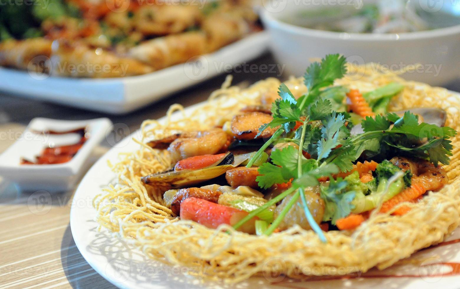 combinatie noodle bowl diner foto