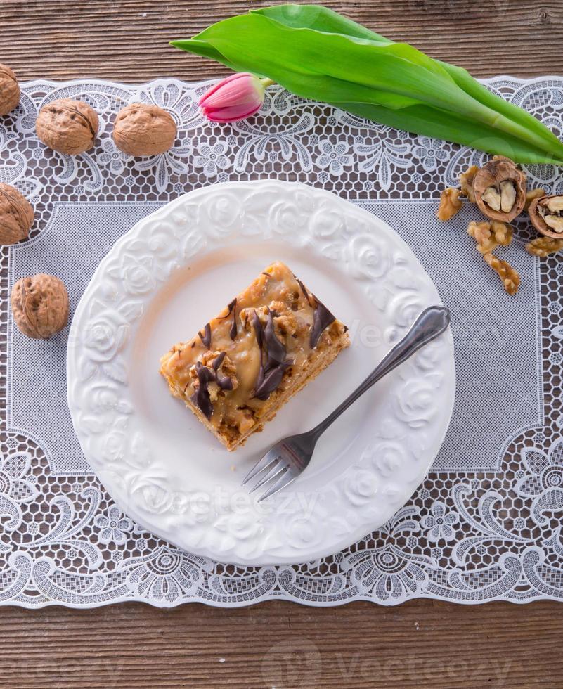 walnoot caramel cake foto