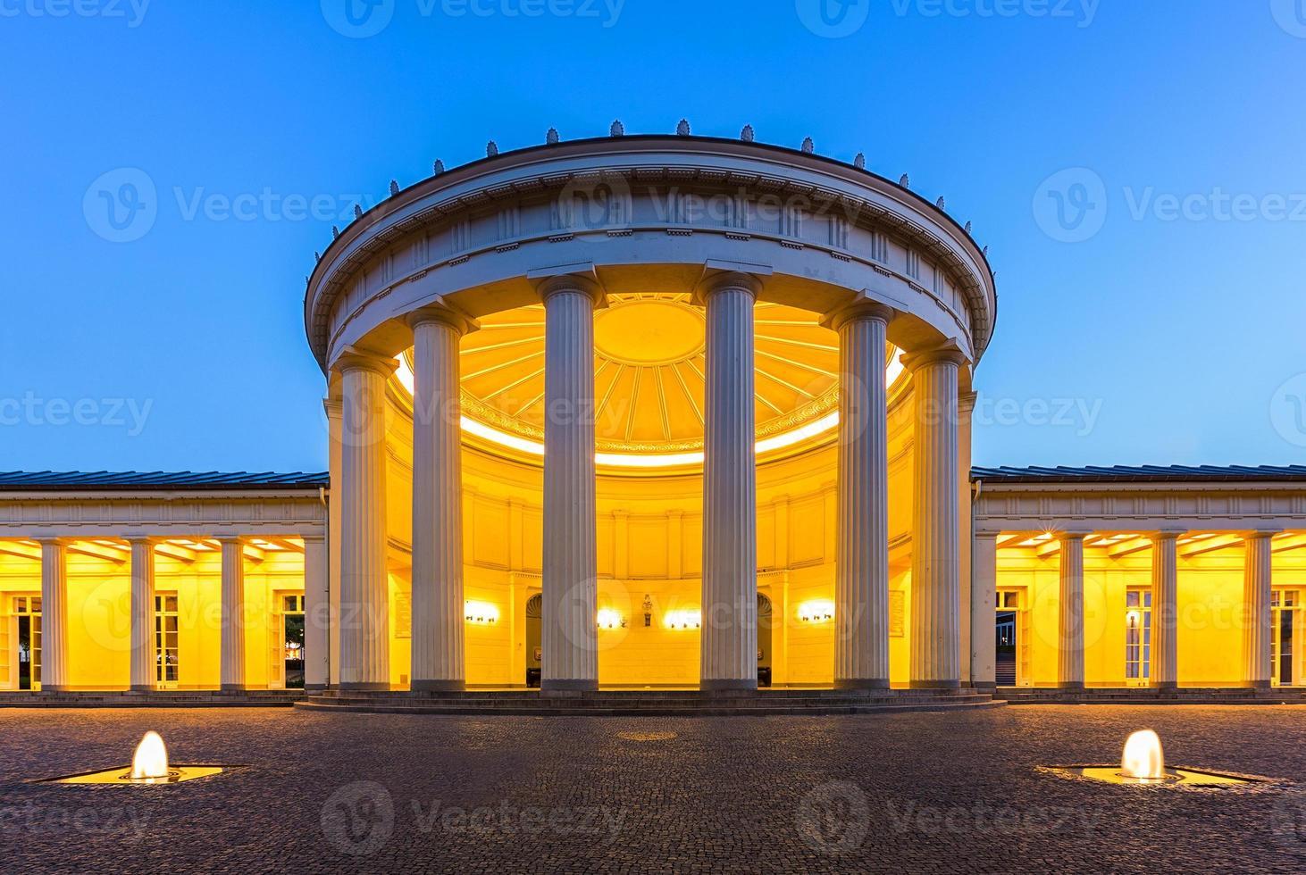 elisenbrunnen in aken foto