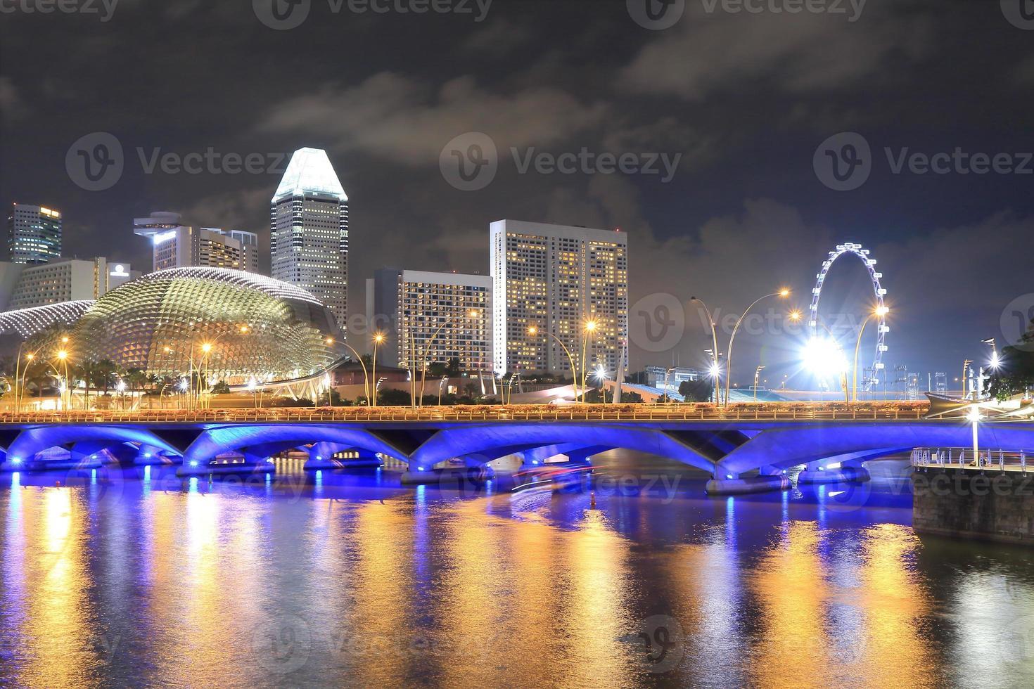 singapore skyline en singapore rivier foto
