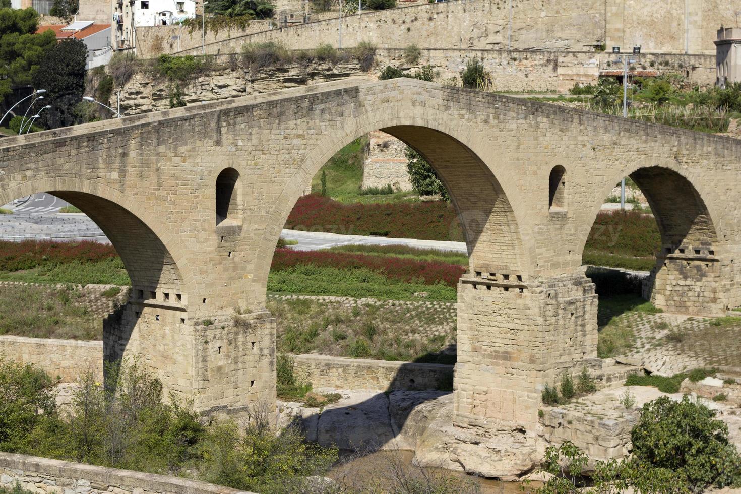 oude brug in Manresa foto