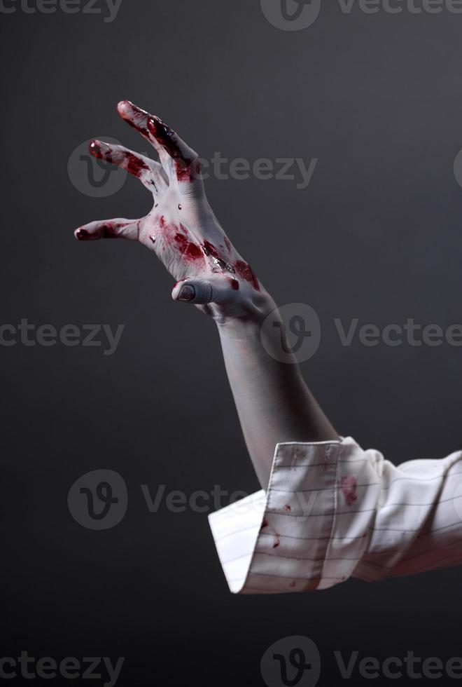 griezelige zombiehand, extreme body-art foto
