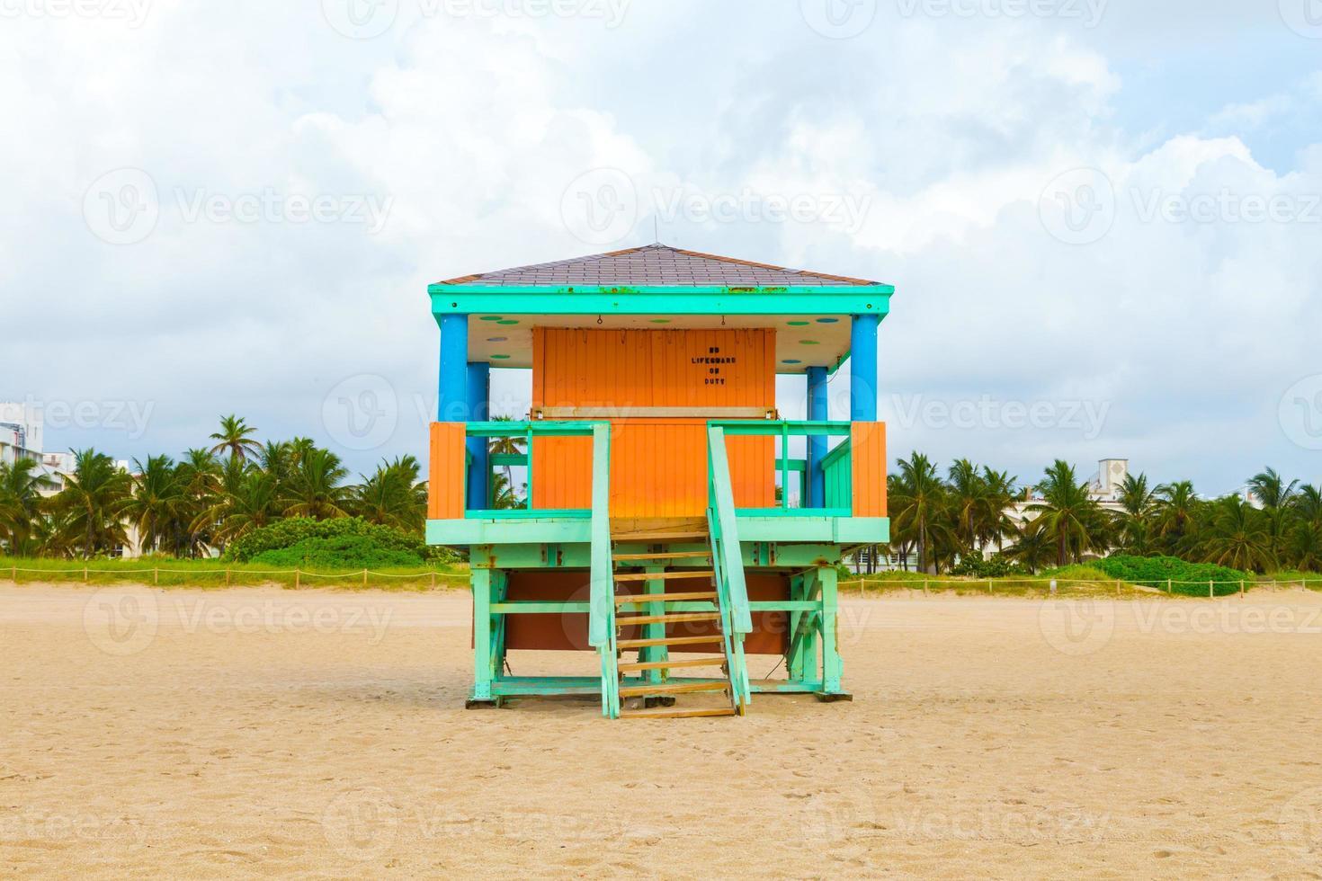 houten baai wachthutten in art deco stijl foto