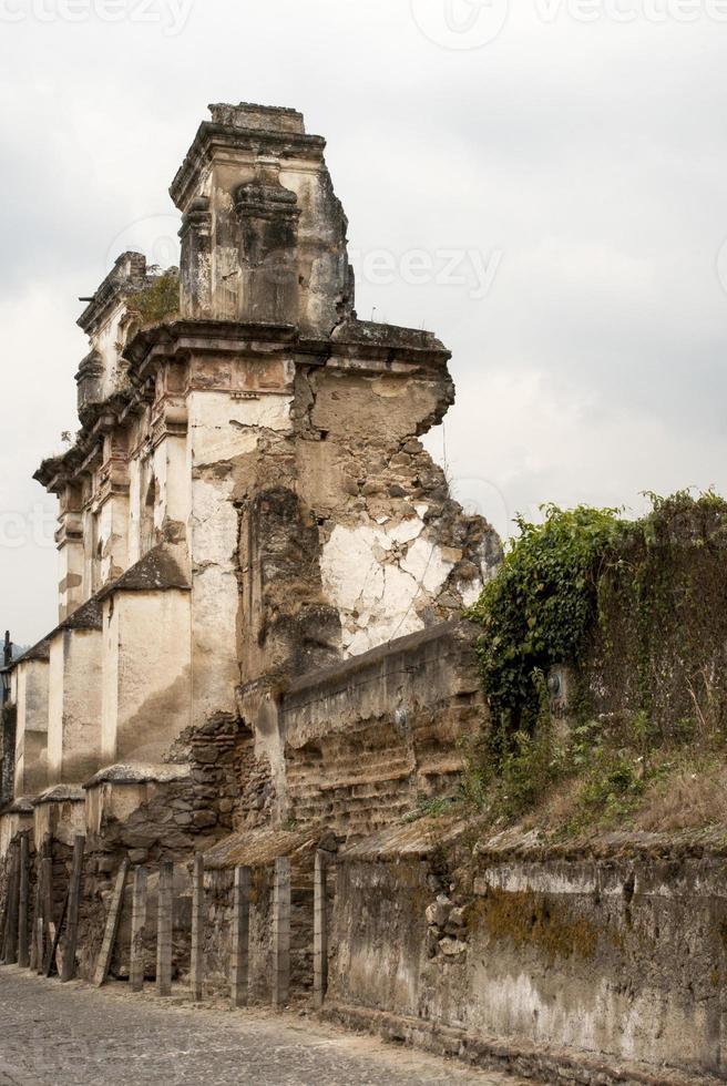 de ruïnes van de kerk van el carmen foto
