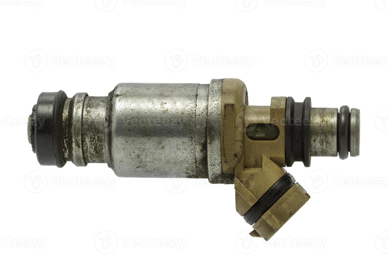 gebruikte brandstofinjector op een witte achtergrond foto