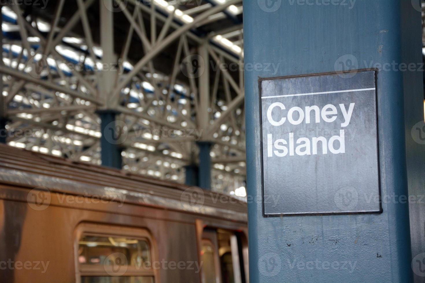 Coney Island Subway Sign foto