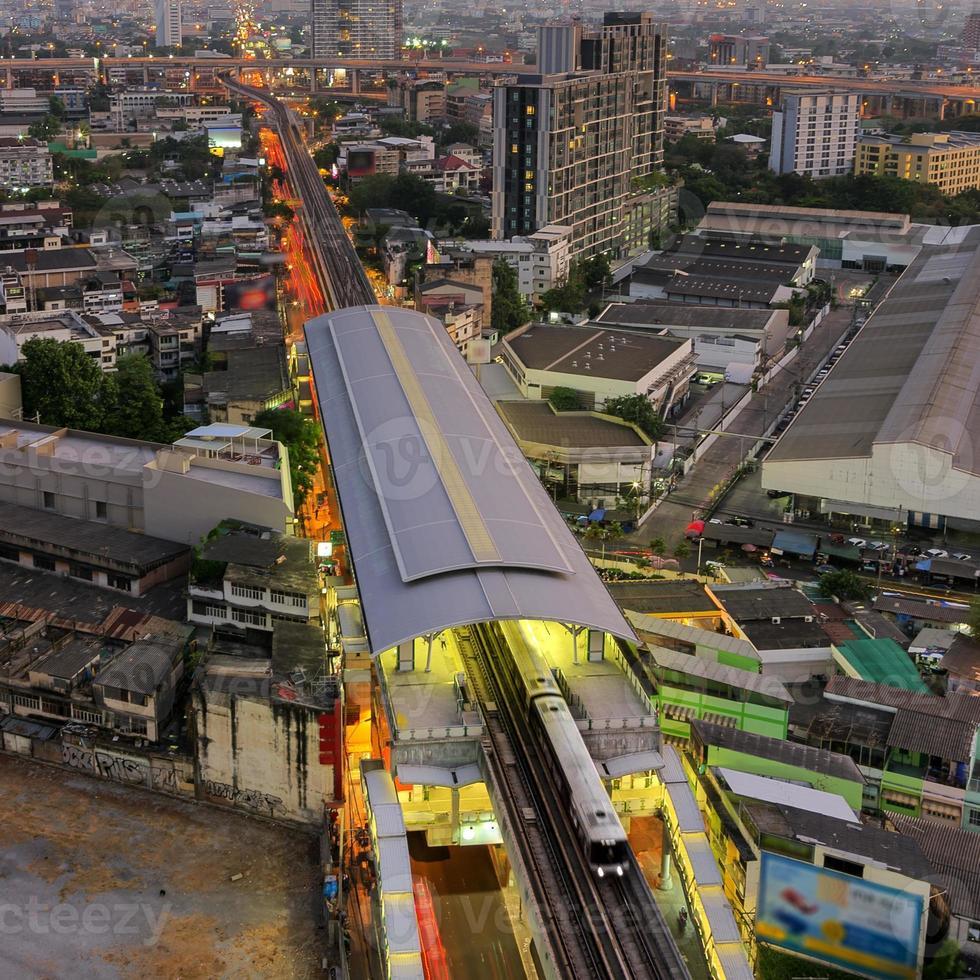 verkeer in bangkok. foto
