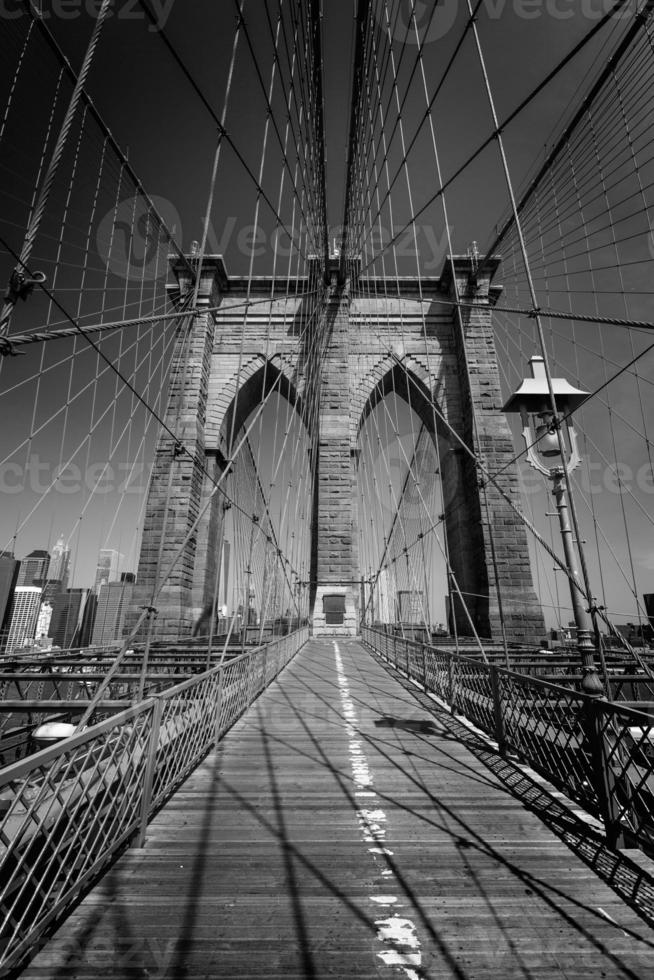 brooklyn bridge en manhattan new york city ons foto