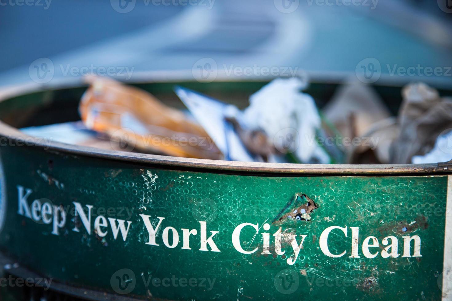 vuilnisbak in new york city foto