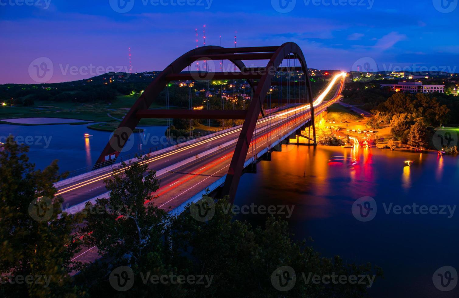 Pennybacker Loop 360 Bridge Night Shot Circle Lights Austin Texas foto
