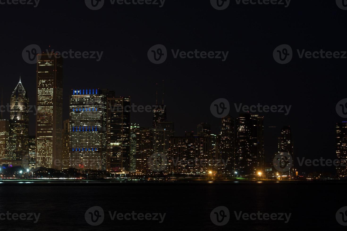 skyline van chicago's nachts foto