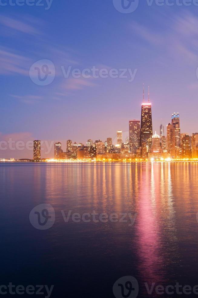Chicago skyline in de schemering foto
