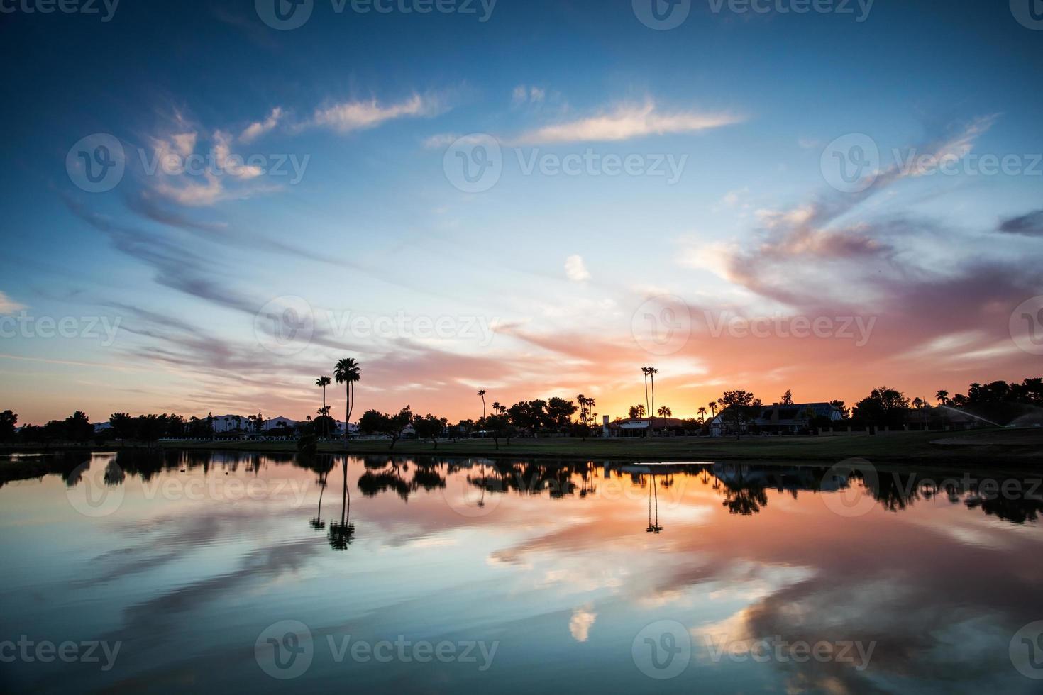 spectaculaire zonsondergang foto