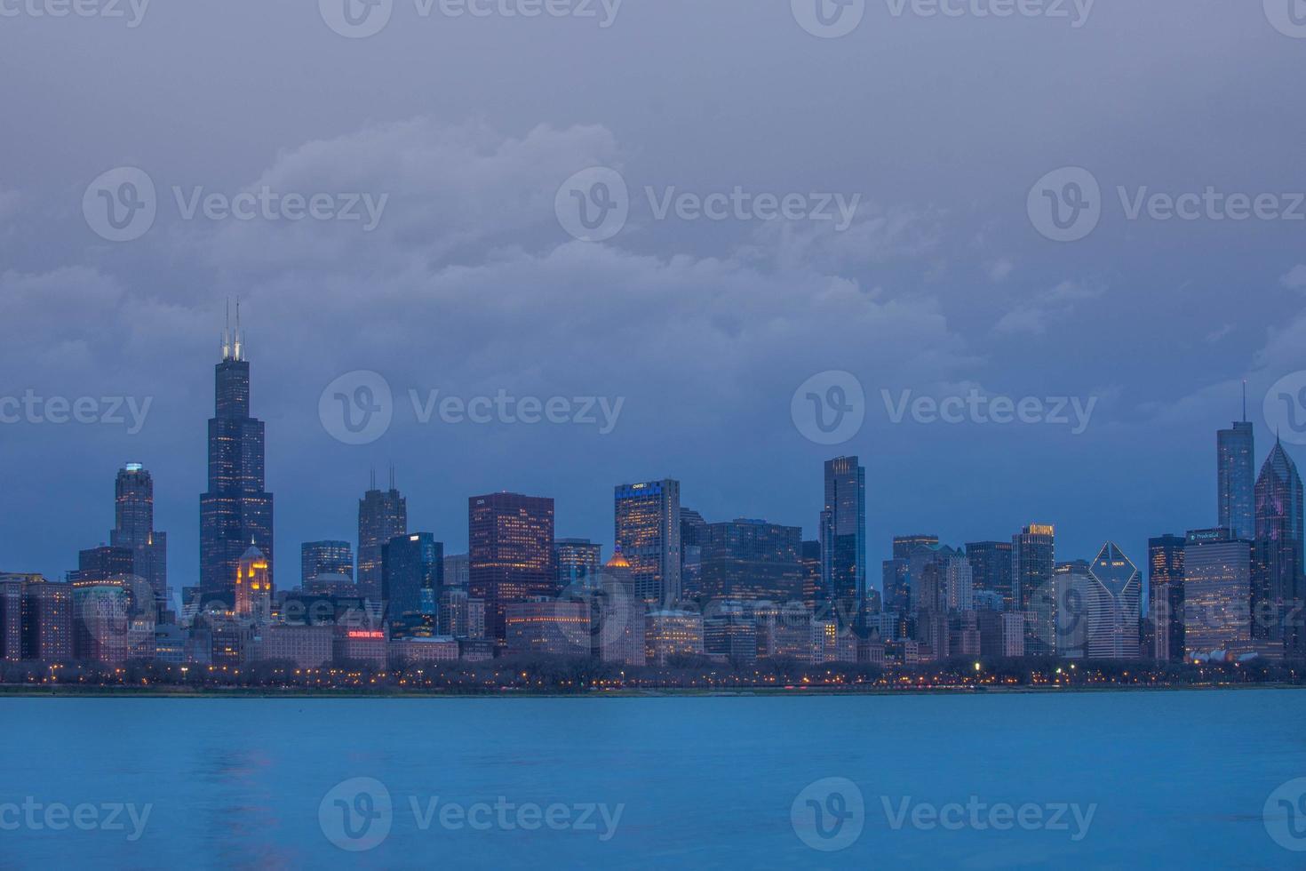 Chicago in de schemering foto