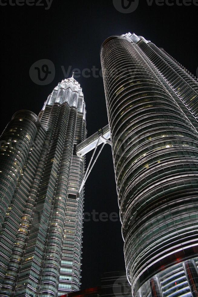 petronas twin towers foto