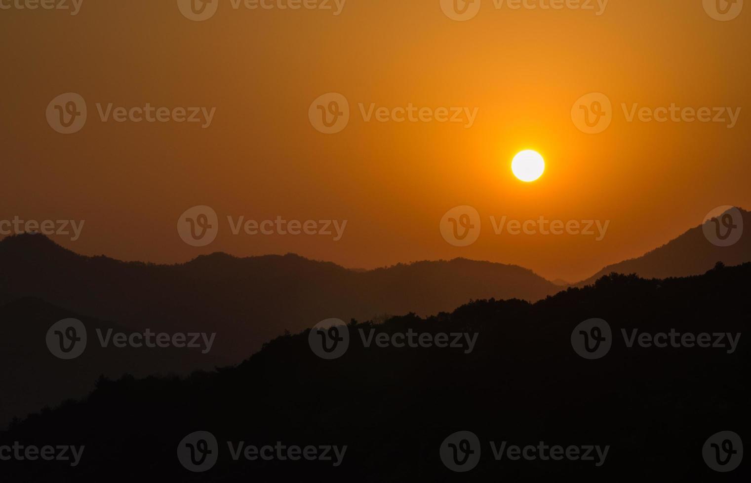 zonsondergang in Hangzhou, China foto