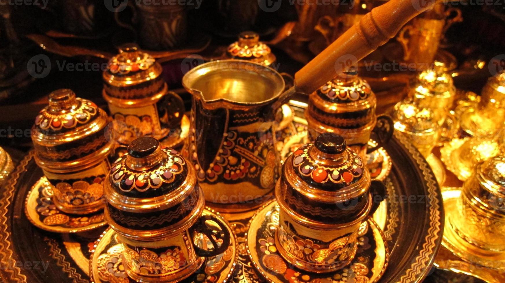 Turkse koffiekoppen in Ottomaanse stijl foto