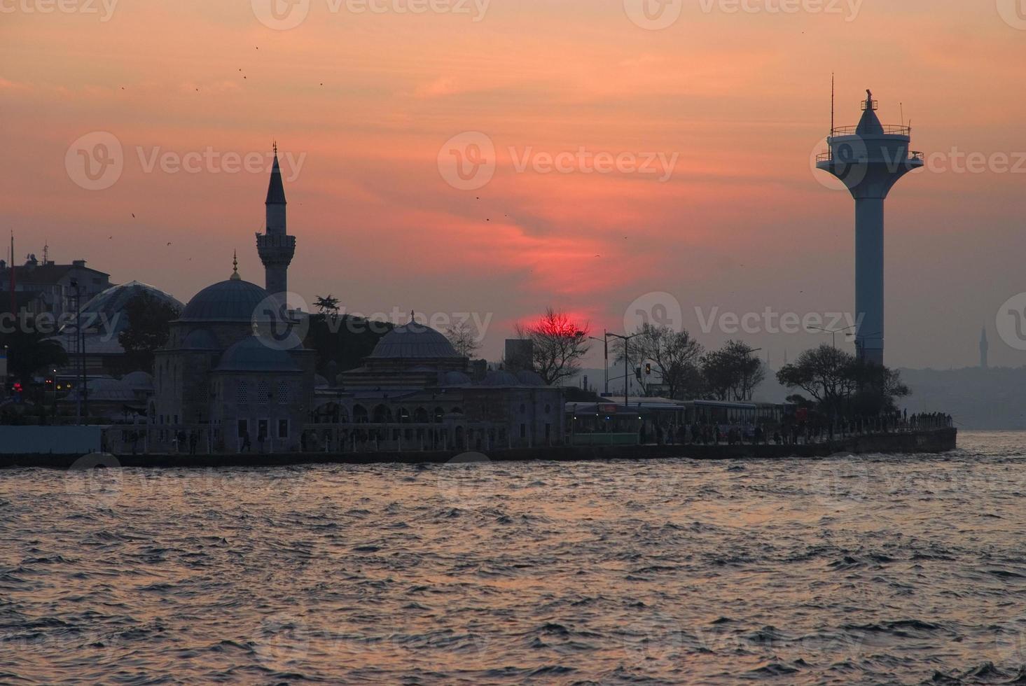 zonsondergang in Istanbul foto