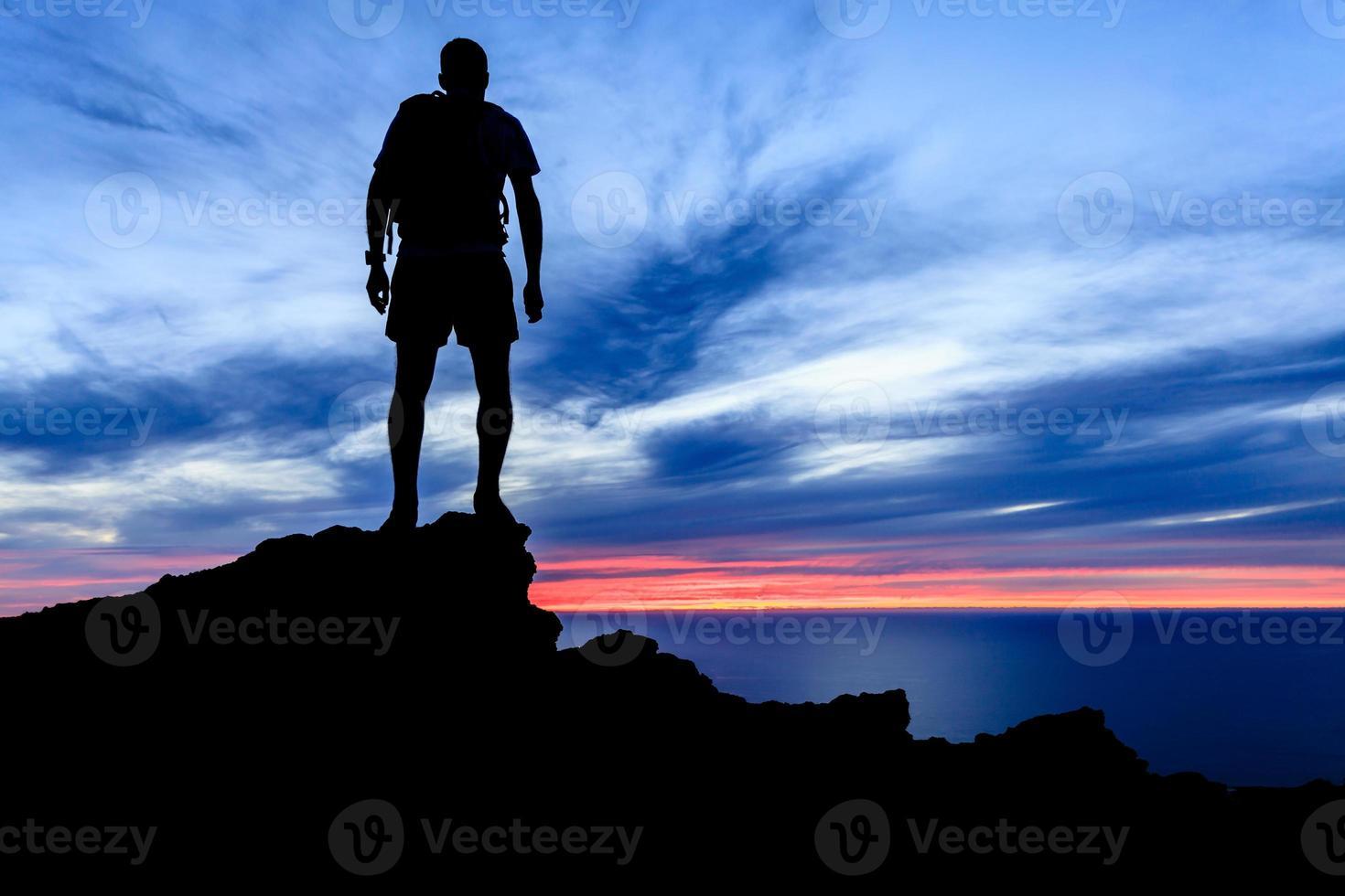 motivatie en vrijheid zonsondergang silhouet foto