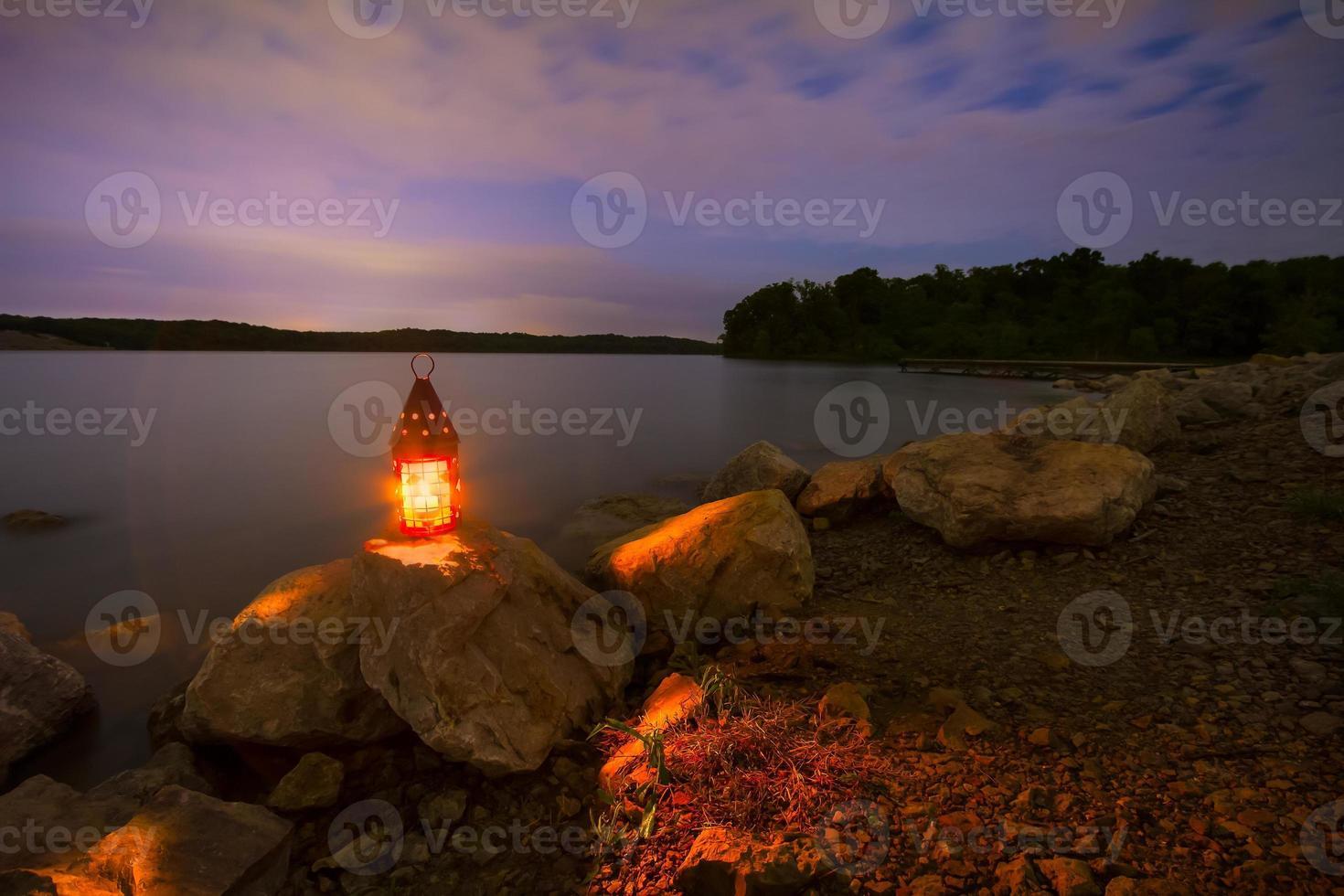Blue Springs Lake 's nachts foto