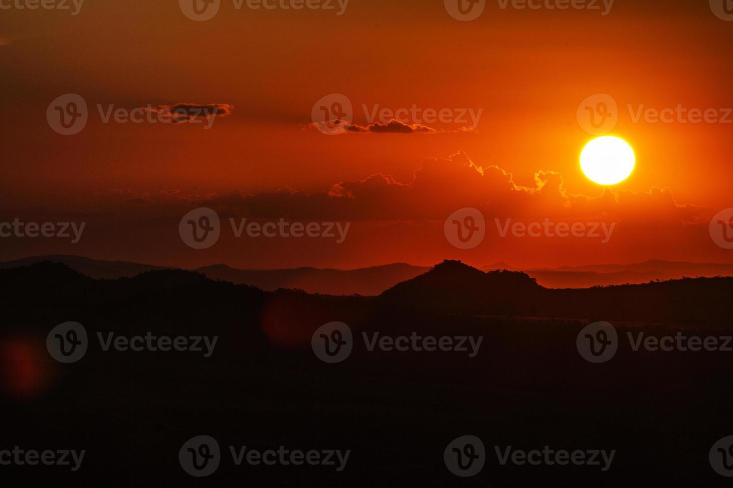 zonsondergang in Pirenopolis - Brazilië foto