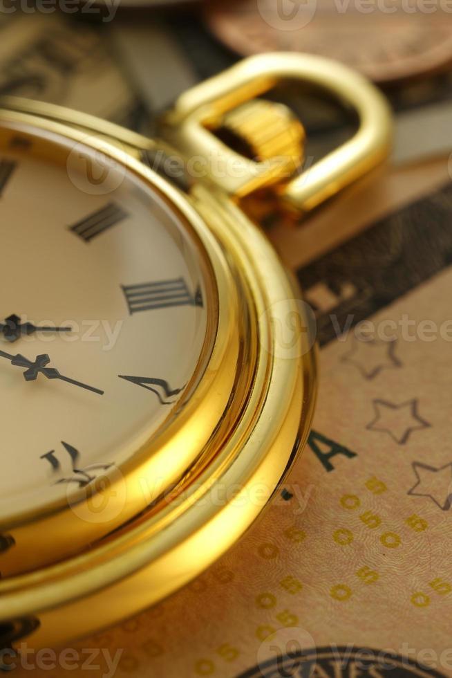 tijd en geld. klok in Amerikaanse dollars - stock beeld foto