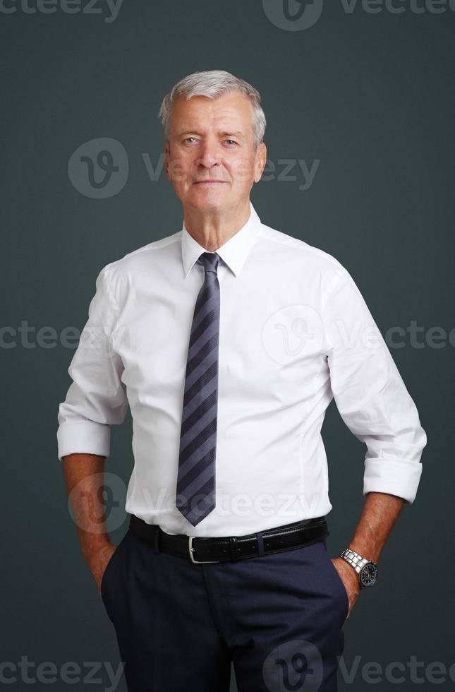 portret van senior manager foto