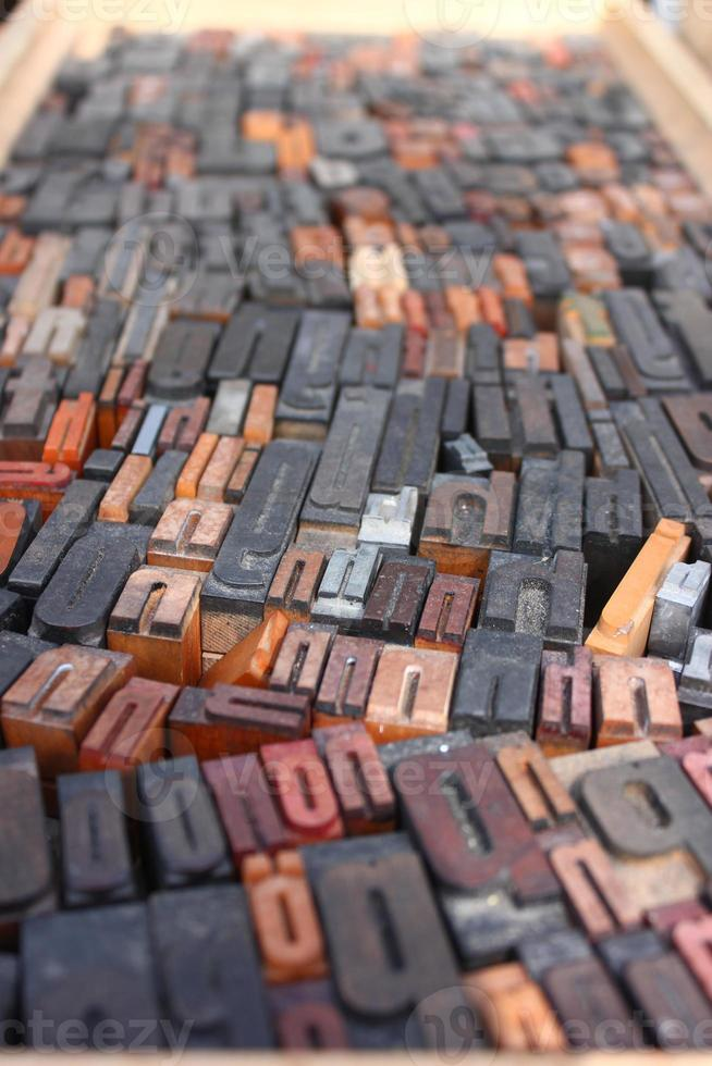 verschillende houten letters foto