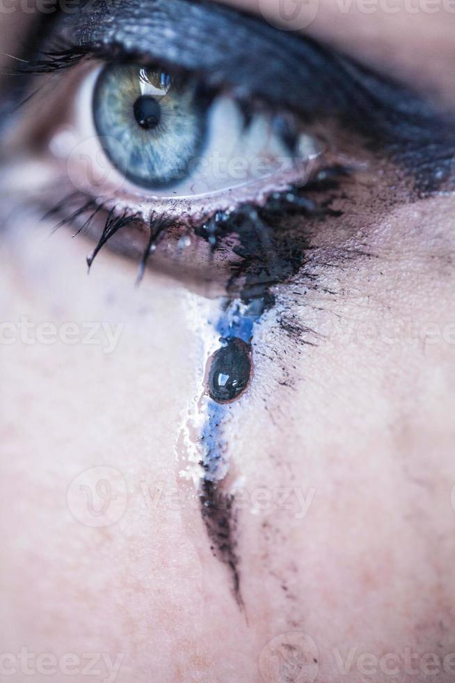 vrouw huilt, close-up foto