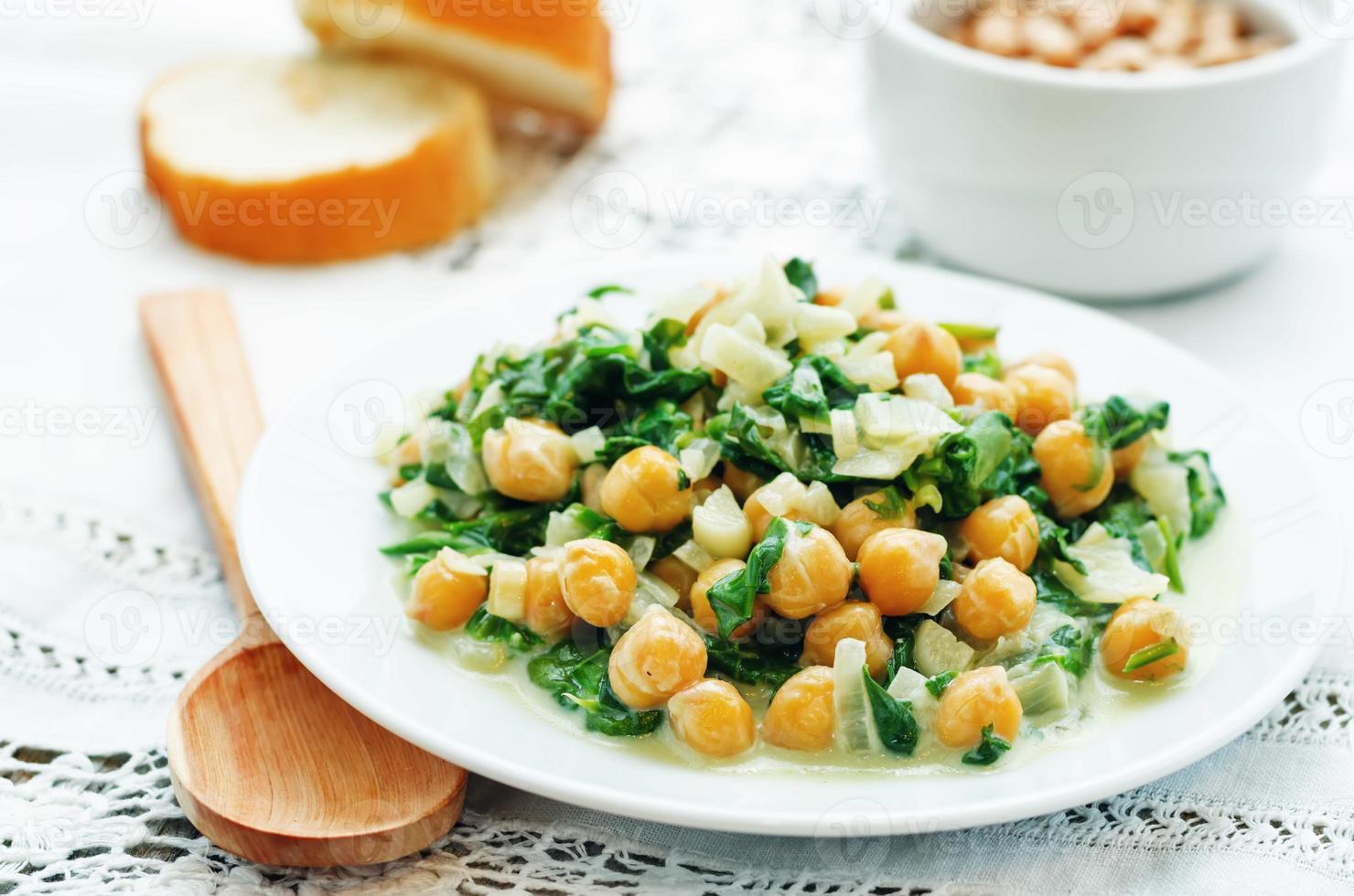 kikkererwten en spinazie curry foto