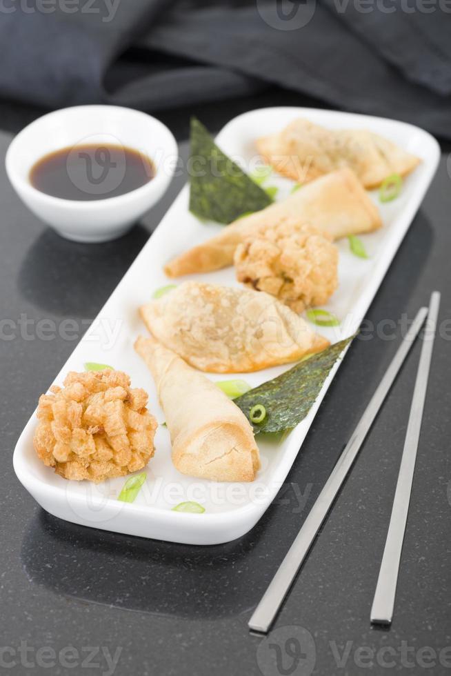 gefrituurde Aziatische snacks foto