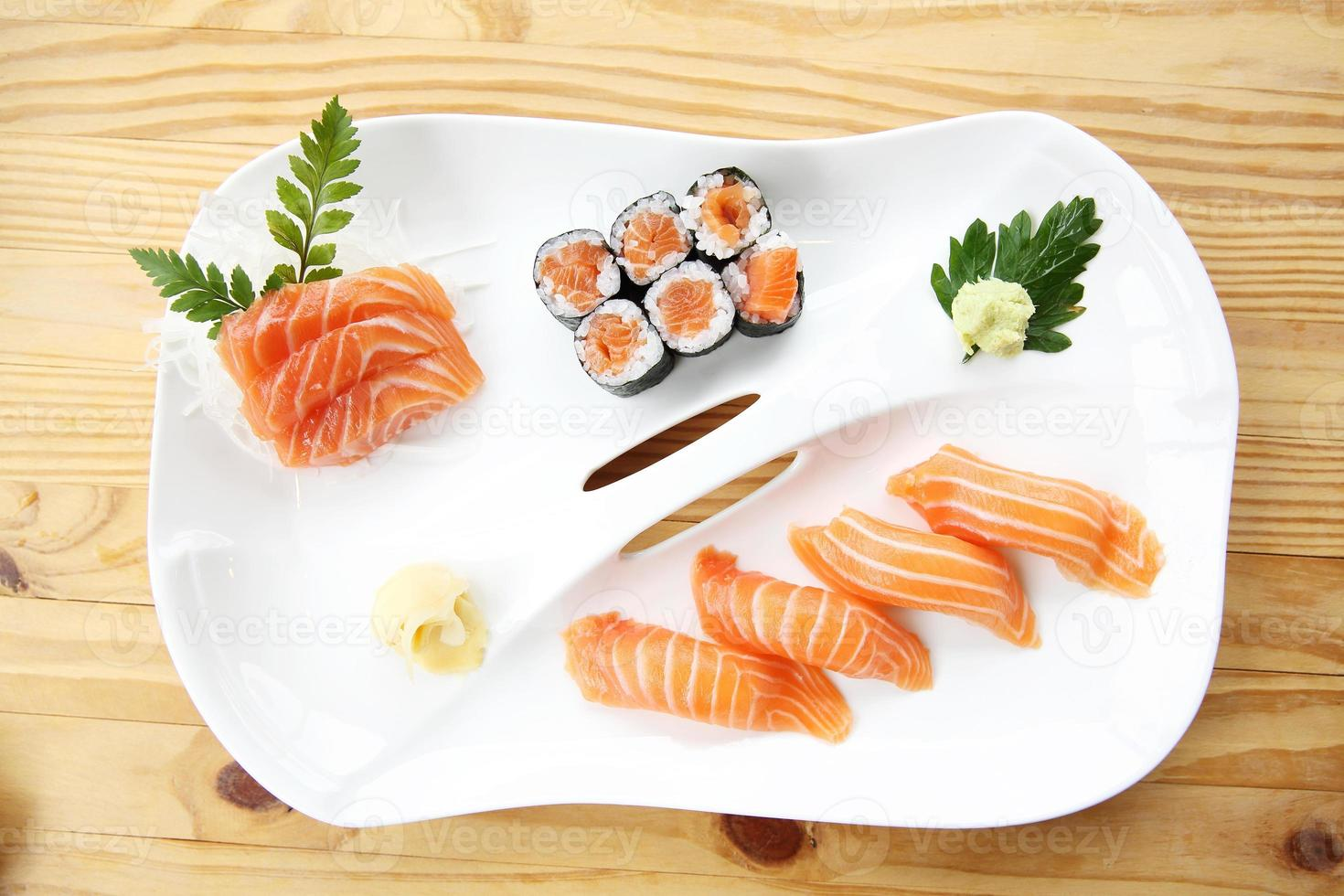 zalm sushi set foto
