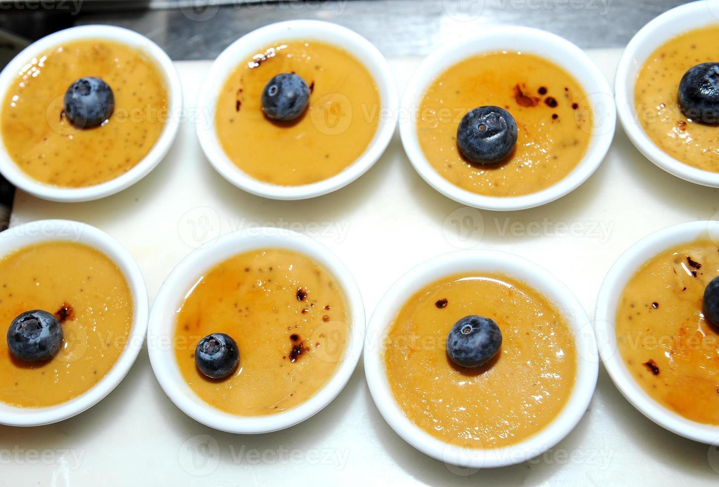dessert - crème brulee foto