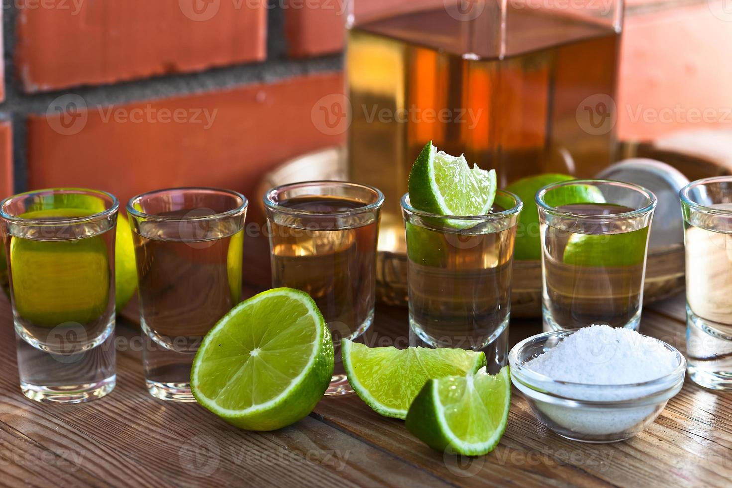 tequila met zout en limoen foto